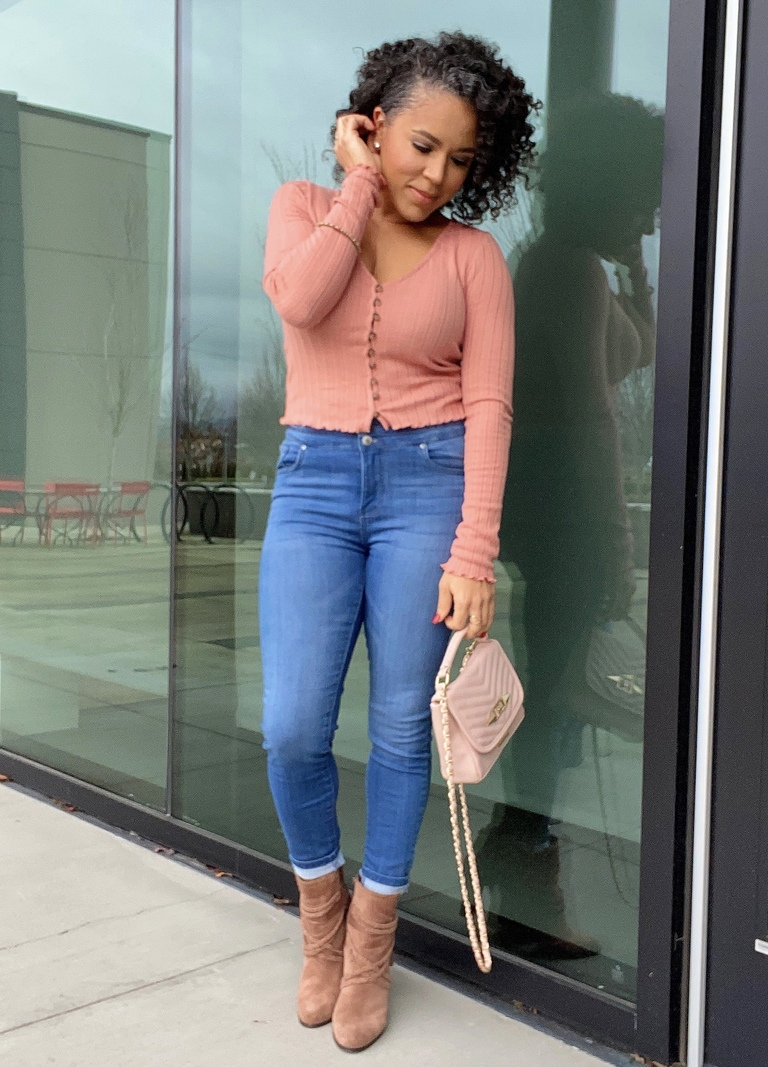how to style a pink top